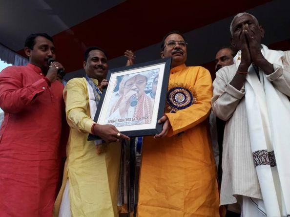 बिहार से ज्यादा सुन्दर तरीके से बंगाल में मनाया जाता है छठ: अरूप राय